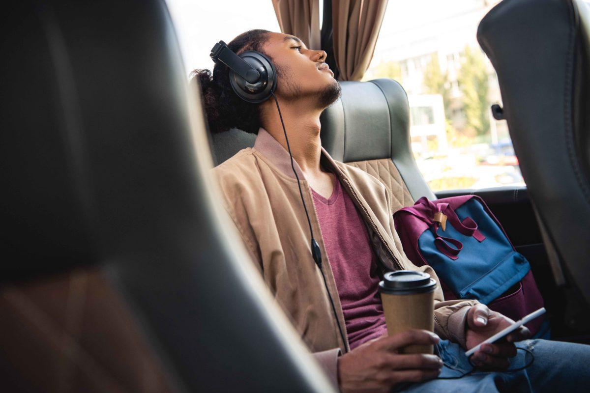 Best Bluetooth Headphones For Travelers