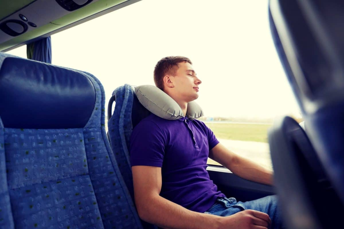 Buying Guide For Your Perfect Travel Pillow