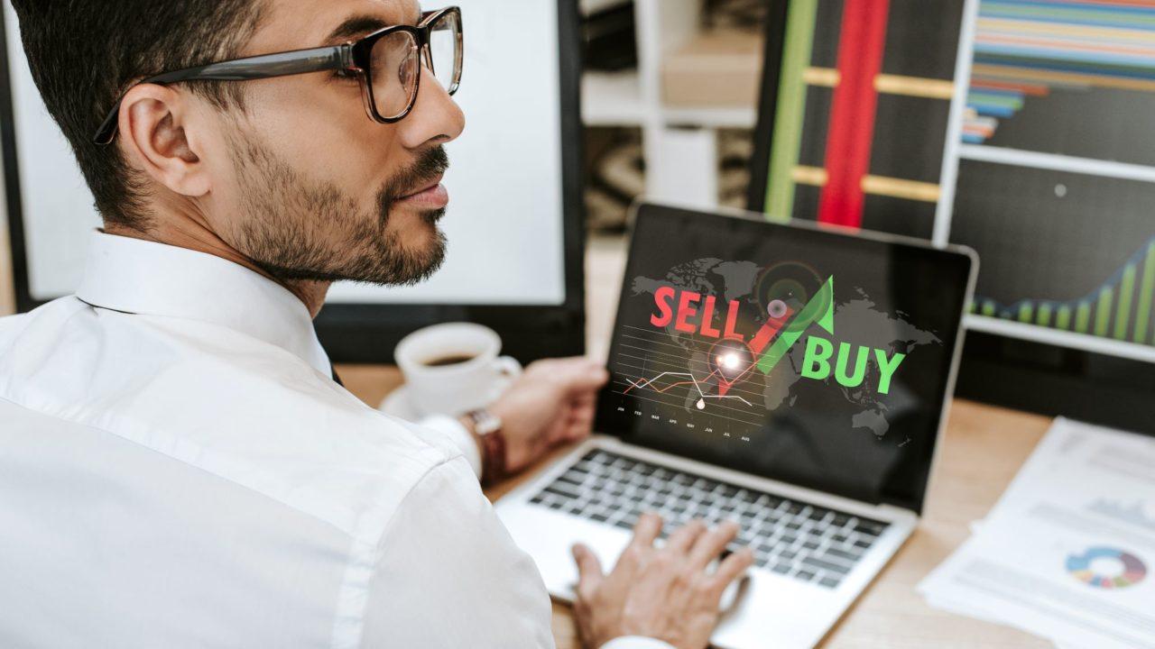 https://www.spenderrific.com/wp-content/uploads/2021/09/Forex-Trading-vs.-Stock-Trading.1-1280x720.jpg